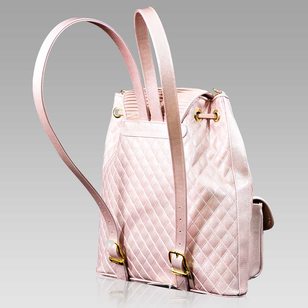 Valentino_Orlandi_Large_Backpack_Pearly_Rose_Chanel_Leather_Bucket_Bag_01VO6125CLPN_01.jpg