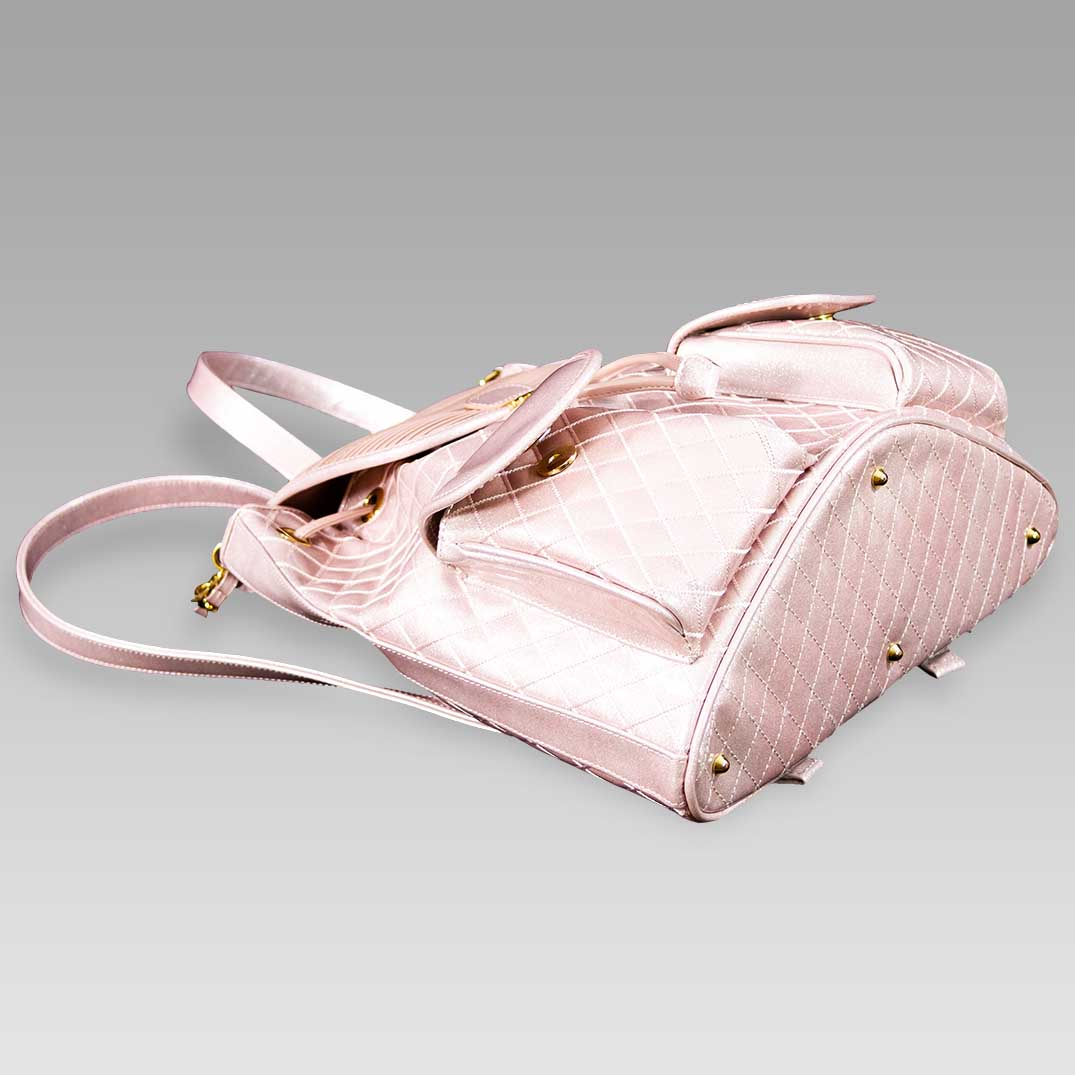 Valentino_Orlandi_Large_Backpack_Pearly_Rose_Chanel_Leather_Bucket_Bag_01VO6125CLPN_02.jpg