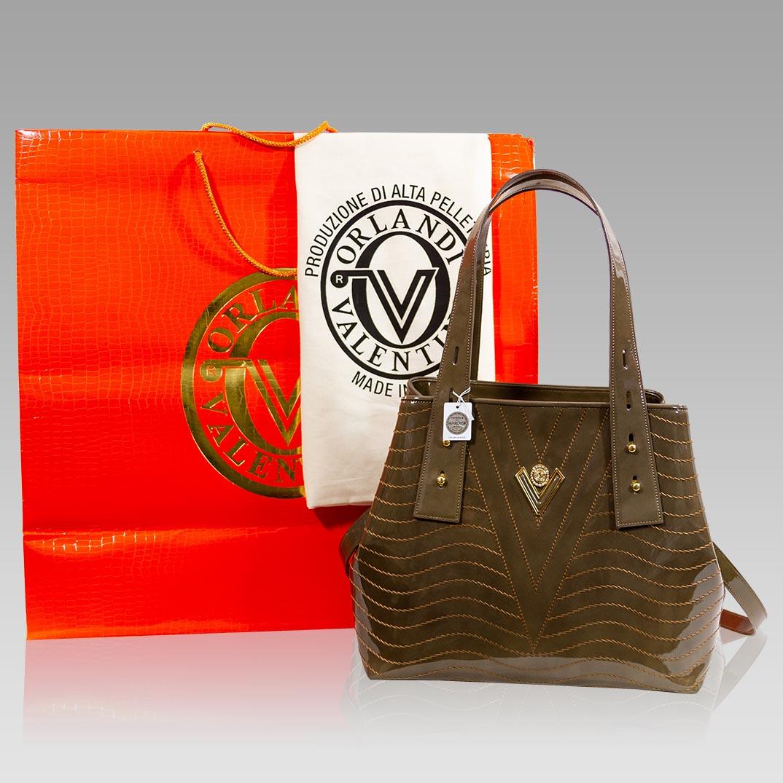 Valentino_Orlandi_Large_Tote_Jasper_Green_Wavy_Leather_Crossbody_Bag_01VO6112PLCM_05.jpg